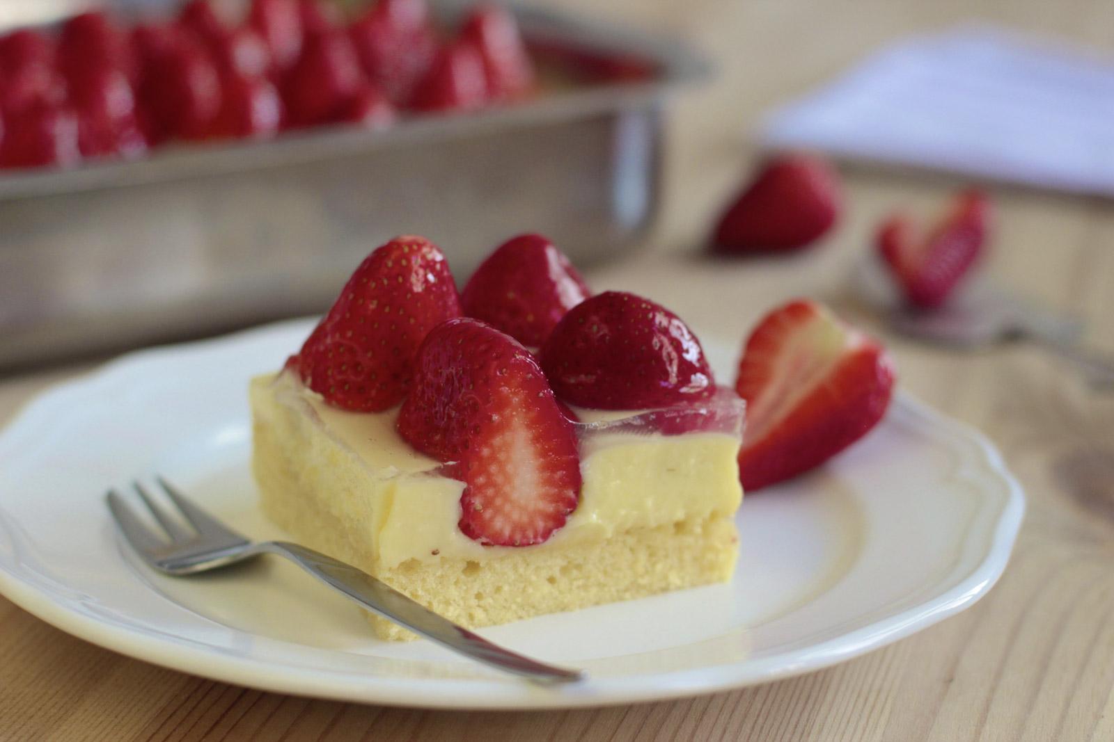 Erdbeer Pudding Schnitte